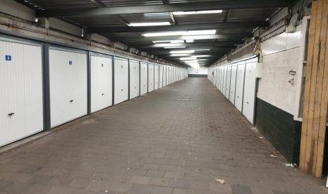 Te Koop: Foto Woonhuis aan de Linnaeuskade 7 in Amsterdam